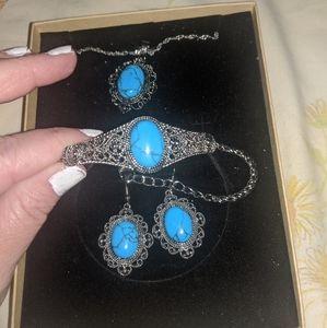 Jewelry - Turquoise jewelry set